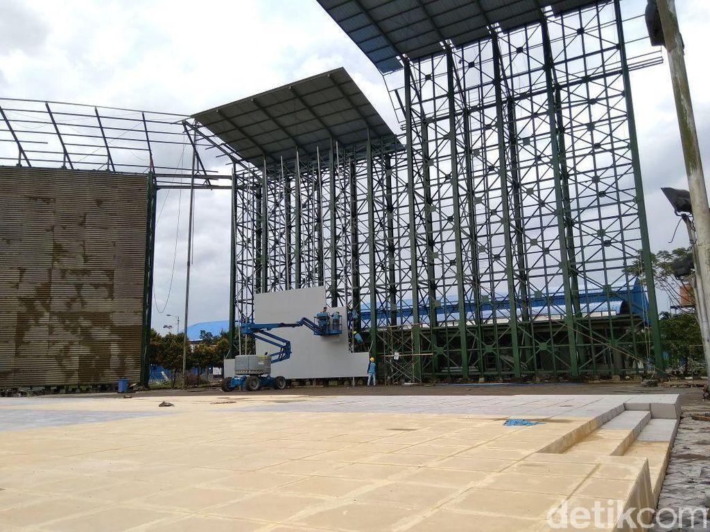 Kontraktor menjanjikan akan menyelesaikan renovasi tersebut tepat waktu bahkan sebelum masa kontrak berakhir. Dok. Federasi Panjat Tebing Indonesia.