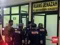 Keluarga Korban Bom Surabaya Sambangi RS Bhayangkara