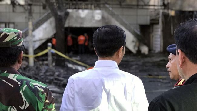Jokowi Jamin Negara Biayai Korban Luka Bom Surabaya