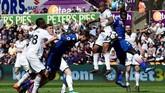Swansea City menelan kekalahan 1-2 dari Stoke City di Stadion Liberty dan dipastikan terdegradasi ke Championship musim depan. Stoke sudah lebih dulu dipastikan terdegradasi. (REUTERS/Rebecca Naden)