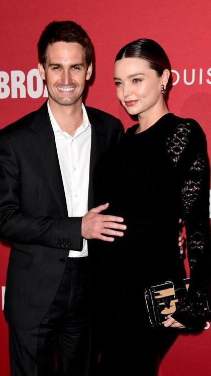 Potret Suami Ganteng Miranda Kerr yang Kekayaannya Bikin Melongo
