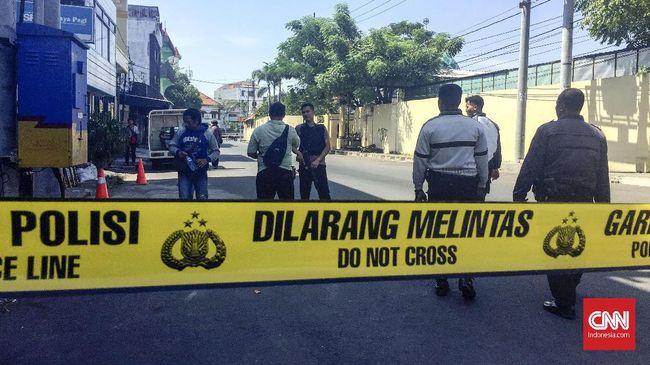 Gula Pasir untuk Ibunda dari Pelaku Bom Mapolresta Surabaya
