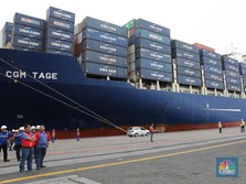 Lepas Ekspor Kapal Raksasa, Jokowi: Ekonomi RI Terus Bergerak