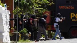 Pascaaksi Teror 74 Orang Dibekuk, 14 Ditembak Mati