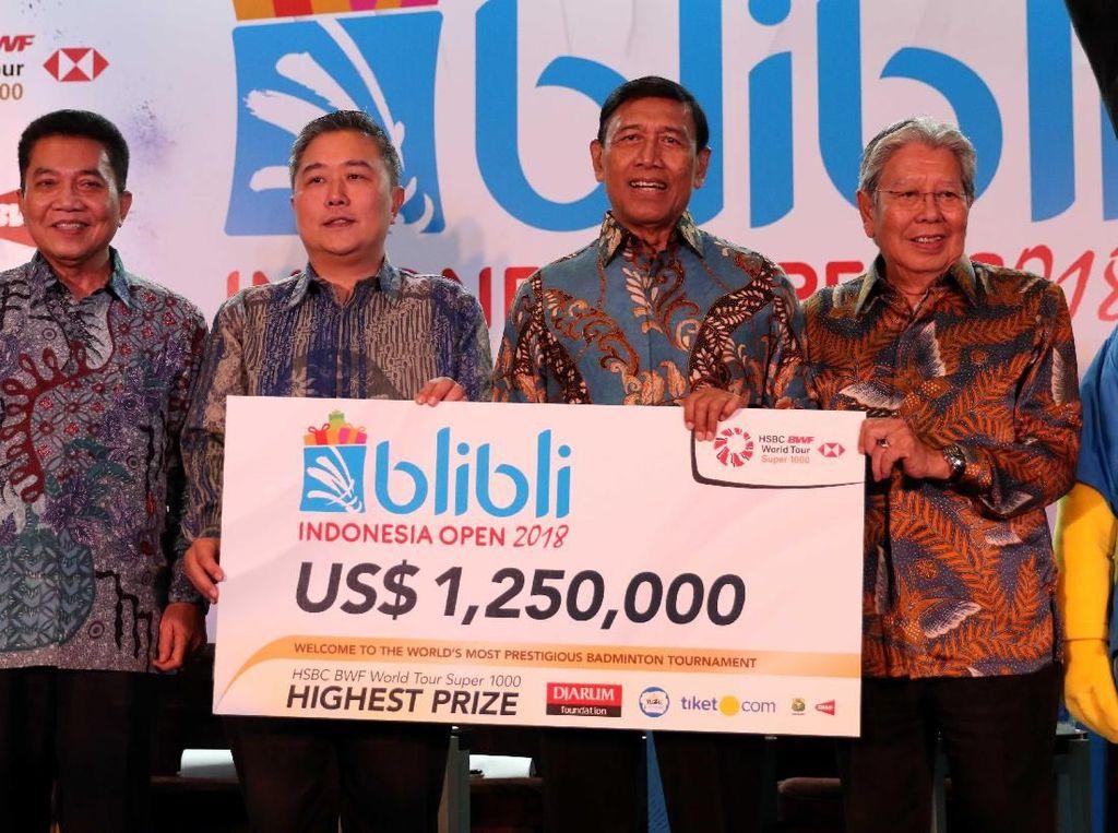 Sebagai turnamen bulutangkis dengan level super 1.000, ajang itu menawarkan hadiah total mencapai USD 1,250 ribu atau setara dengan Rp 17,4 miliar. Tahun lalu total hadiah Rp 13 miliar.