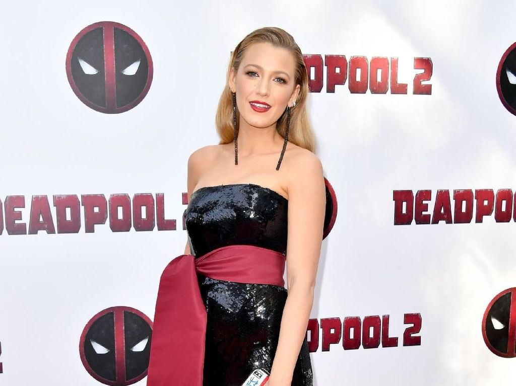 Terinspirasi Deadpool, Begini Gaya Stylish Blake Lively di Karpet Merah