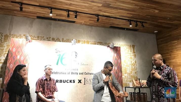 Didiet Maulana terus mempromosikan kain nusantara. Mulai dari merancang baju renang bermotif tenun, hingga memberikan sentuhan tenun lokal di kedai kopi global.