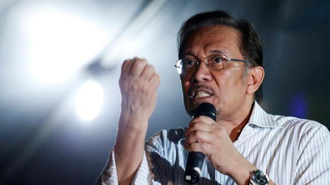 Anwar Ibrahim Perkirakan Najib Razak Bakal Dipenjara