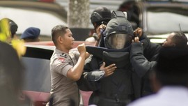 15 Menit Menegangkan saat Teroris Menyerang Mapolda Riau