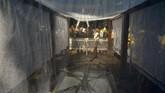 Bergeser ke Ciamis, Jawa Barat, sejumlah tokoh adat melaksanakan prosesi adat Ngikis atau pemasangan pagar di Situs Cagar Budaya Karangkamulyan. Tradisi turun-temurun itu untuk menyucikan singgasana raja agar diri juga bersih lahir batin sebelum Ramadan. (ANTARA FOTO/Adeng Bustomi)