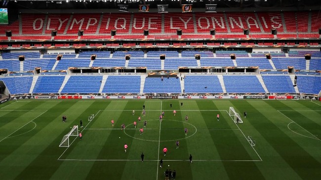 Final Liga Europa 2018 antara Atletico Madrid melawan Olympique Marseille bakal digelar di Stadion Groupama, markas Olympique Lyon, Rabu (16/5) ini. (Reuters/Peter Cziborra)
