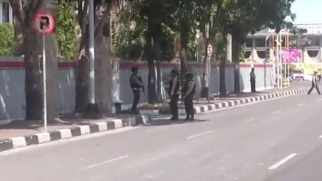 Polisi Sita 3 Samurai dan 1 Handycam Teroris Mapolda Riau