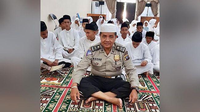 Korban Tewas Teror Polda Riau Ipda Auzar Dimakamkan Sore Ini