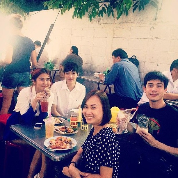 Ini Dia 10 Aksi Sunny Suwanmethanont, Aktor Ganteng Thailand Saat Makan