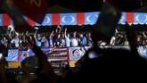 Selain mengupayakan pembebasan Anwar Ibrahim, Mahathir juga bertekad untuk memeriksa skandal korupsi yang melibatkan dana investasi negara, 1Malaysia Development Berhad. (REUTERS/Stringer)