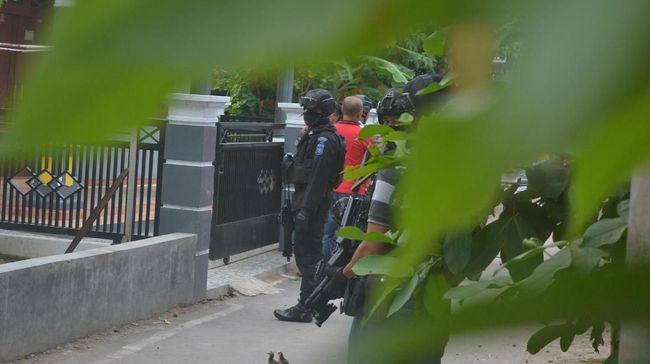 Densus 88 Tangkap Dua Terduga Teroris di Tanjung Morawa