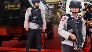 Teror di Mapolda Riau