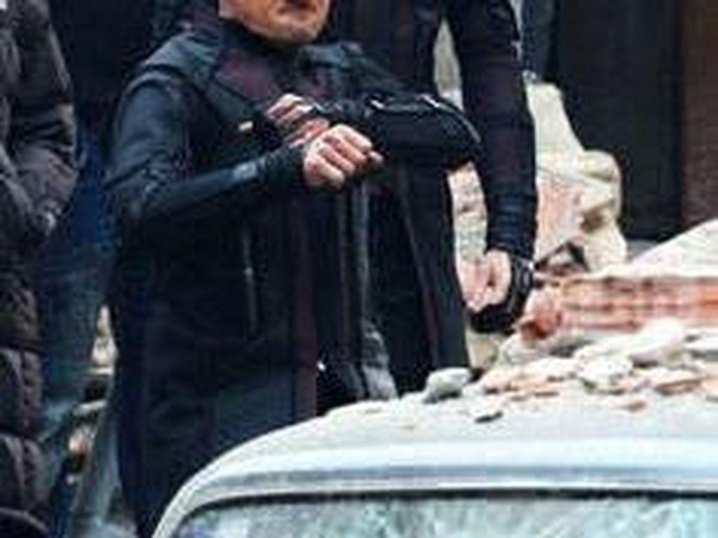 Jeremy Renner berperan sebagai Hawkeye. (Foto: Facebook)