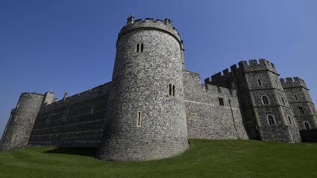 Pada masa pemerintahan Raja Henry I, istana ini mulai digunakan sebagai kediaman resmi bagi keluarga Kerajaan Inggris dan menjadi istana terlama yang dihuni di Eropa. (Reuters/Toby Melville)