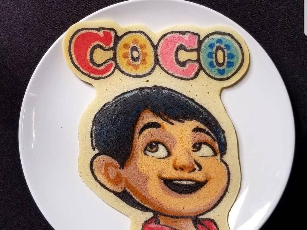 Karakter Miguel dari film Coco juga nggak kalah menggemaskan. Dancakes bisa di-booking untuk mengisi acara-acara tertentu. Foto: Instagram drdancake