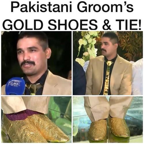 Silau! Pengantin Pria Ini Pakai Dasi dan Sepatu Emas 500 Gram