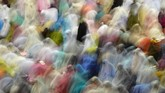 Umat Muslim menunaikan Salat Tarawih pertama di Masjid Istiqlal, Jakarta, Rabu (16/5). Pemerintah Indonesia menetapkan 1 Ramadan 1439 Hijriyah jatuh pada Kamis (17/5). (ANTARA FOTO/Wahyu Putro A)