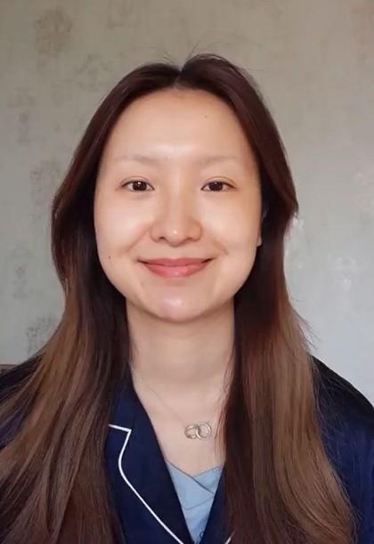 Bikin Tercengang! Vlogger Ini Berubah Jadi Mona Lisa Cuma Pakai Makeup