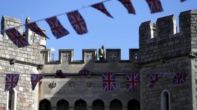 Kastel Windsor yang memiliki Kapel St George diketahui dibangunsetelah peristiwa invasi Norman oleh William Sang Penakluk. (Reuters/Damir Sagolj)