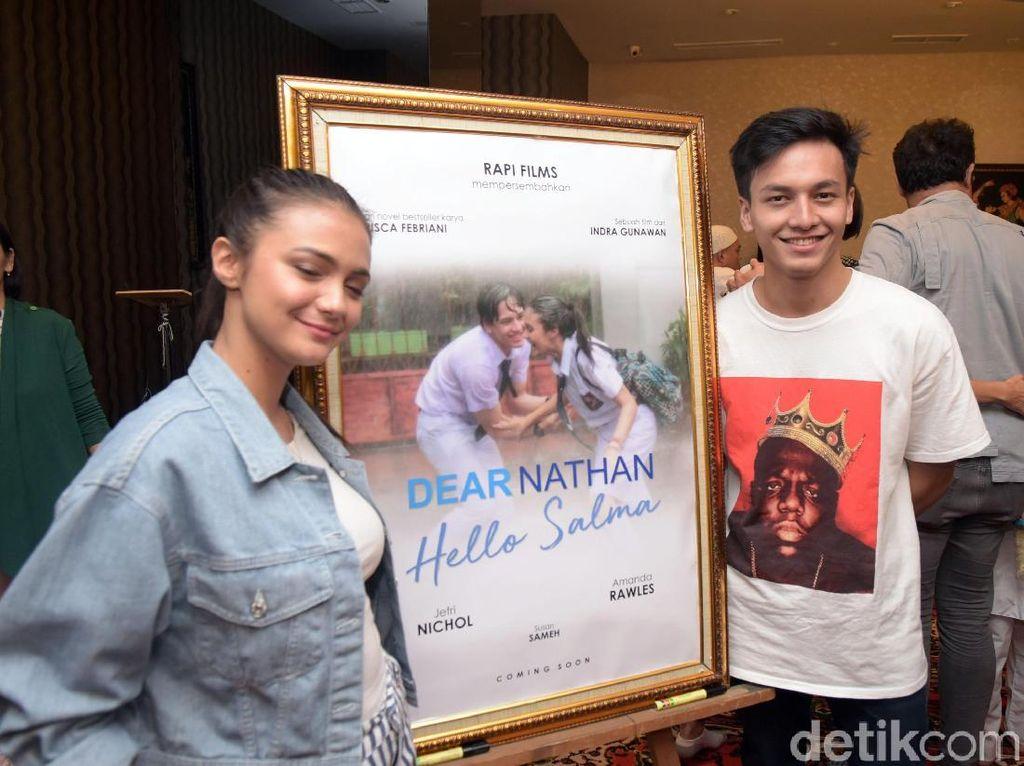 Jefri Nichol dan Amanda Rawles saat ditemui di kawasan Cikini, Jakarta Pusat pada Rabu (16/5). Noel/detikHOT.