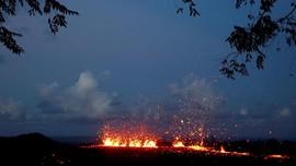 Lava Gunung Kilauea Ciptakan Pulau Baru