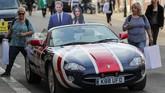 Seorang pengamat perekonomian mengatakan kalau fenomena Royal Wedding bisa menambah pundi-pundi Inggris sebanyak £1 miliar. (REUTERS/Marko Djurica)