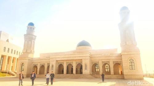 Mosaik Dunia Islam