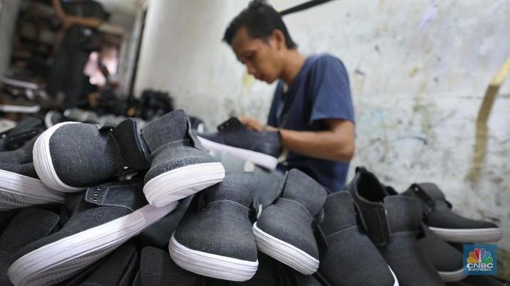 industri sepatu