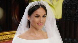 Perbandingan Gaun Pernikahan Meghan Markle dan Kate Middleton