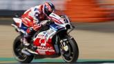 Start ketiga ditempati pebalap Pramac Ducati Danilo Petrucci yang berhasil mengalahkan pebalap Suzuki Andrea Iannone dalam perebutan posisi ketiga. (REUTERS/Gonzalo Fuentes)