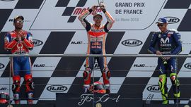 Rossi dan Marquez Masih Kaku di Podium MotoGP Prancis