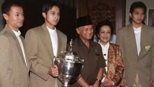 Kisah Tim Thomas 1998 Dilepas Soeharto, Diterima Habibie