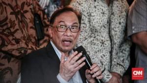 Anwar Ibrahim Desak Zakir Naik Minta Maaf ke Mahathir
