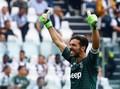 Gianluigi Buffon Resmi Gabung PSG
