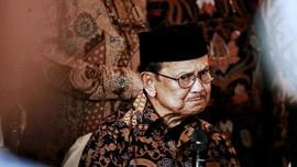 BJ Habibie Besuk SBY di RSPAD Gatot Soebroto