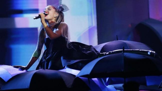 FOTO: Gemerlap Panggung Billboard Music Awards 2018