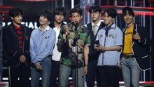 Gaya 'Santai' BTS dalam Gucci di Billboard Music Awards 2018