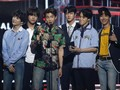 BTS Persembahkan Piala Billboard Music Awards 2018 ke ARMY