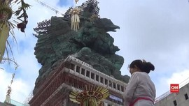 VIDEO: Mahkota Emas Hiasi Patung GWK di Bali