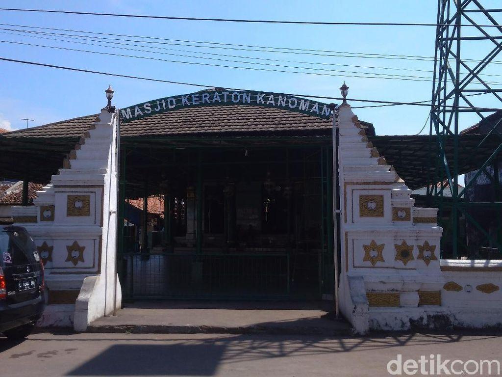 Foto: Masjid Peninggalan Kesultanan Cirebon