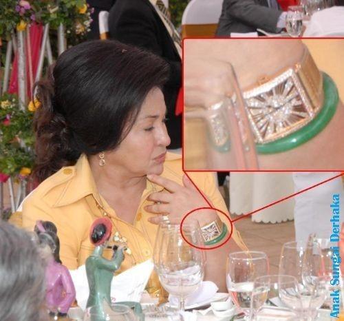 Foto: Jam Tangan Miliaran Istri Eks PM Malaysia yang Suaminya Dituduh Korupsi