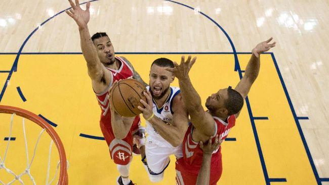 Warriors Unggul 2-1 Atas Rockets di Final Wilayah Barat NBA