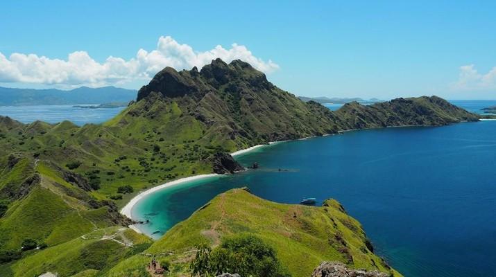 Pulau Komodo punya tarif khusus bagi wisman dan domestik.