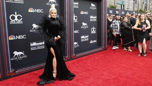 FOTO: Deretan Busana Terbaik di Billboard Music Awards 2018
