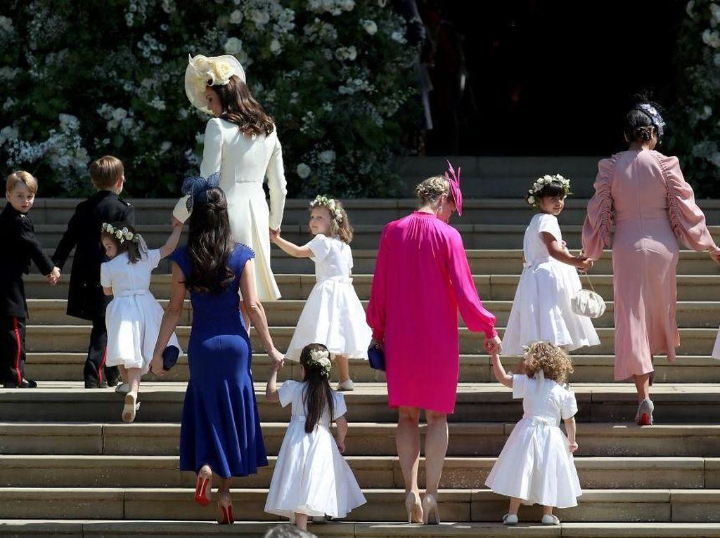 Hadiri Royal Wedding, Sahabat Meghan Markle Ini Viral Karena Bokongnya